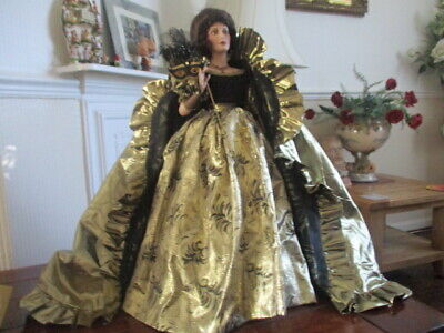 Collectable Franklin Mint Doll With Cloak • 75£
