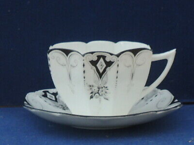 Shelley Cup And Saucer Unusual Design • 27£