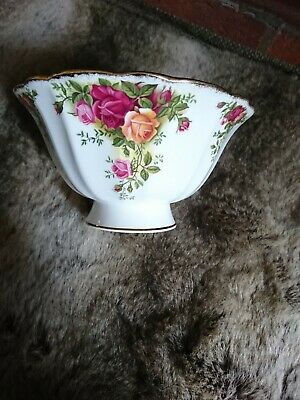 Royal Albert Old Country Rose     Footed Hampstead Bowl VGC • 5£