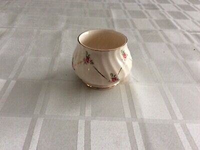 Small Floral And White Sadler Bowl 3632 D. • 1.99£