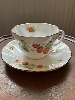 Queens Virginia Strawberry Tea Cup And Saucer • 15£