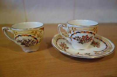 Alfred Meakin Saucer And Two Cups • 1.49£