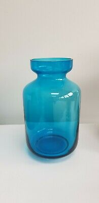 Dartington Blue Glass Vase • 6.60£