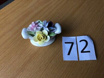 Royal Doulton Vase And Flowers • 5£