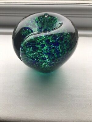 Wedgwood Vintage Blue/Green Mottled Glass Apple Paperweight • 15£