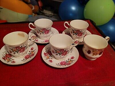2 Pairs Of Queen Anne Tea Set Teacup Saucers  • 30£