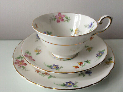 Really Pretty Tuscan Ditsy Floral Tea Trio In Bouquet Pattern • 14.99£
