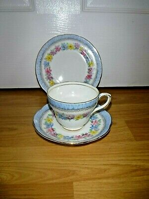 Stunning Vintage Foley Trio ~ Flowers Floral Tea Cup Saucer & Plate ~ 2941 • 14.99£
