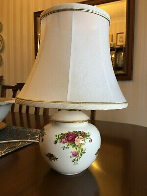 Royal Albert Old Country Roses Lamp With Shade • 25£