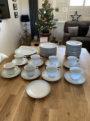Royal Doulton Berkshire China • 80£