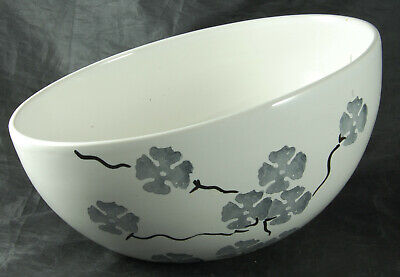 Angled Bowl With Grey Oriental Style Floral Pattern • 14£