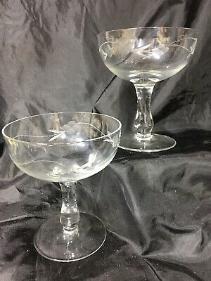 2 X Vintage Champagne Coupe Etched Glasses • 8£