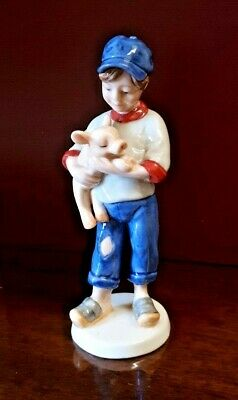 Bing & Grondahl Figurine Of The Year 2003 Boy With Piglet VGC • 45£