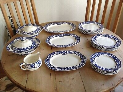 Vintage Dinner Service, Alfred Meaking, Wentworth • 50£