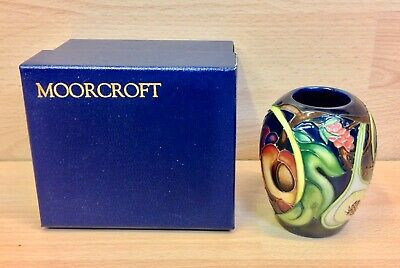 Moorcroft  Queens Choice  Pattern Tube Lined Small Vase Boxed. • 135£