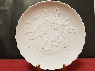 Kaiser West Germany Matte Bisque White Dogwood Decorative Plate Wall Hanging • 1£