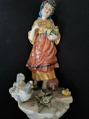 2 Lovely Capodimonte Figurines Of A Girl And Boy • 18£