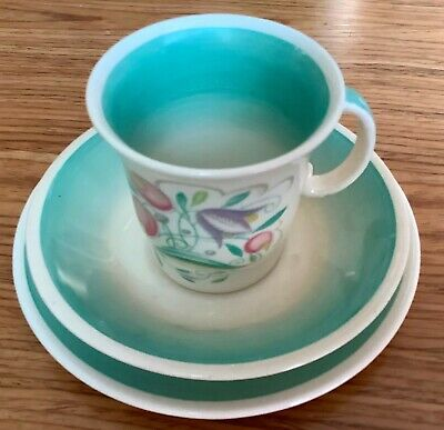 Susie Cooper Green Dresden Spray Coffee Trio Great Condition • 55£