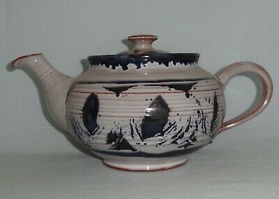 TORQUIL HENLEY-in-ARDEN Stoneware Teapot & Cover • 10£