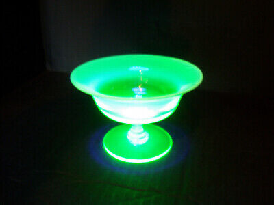 Small Vintage Uranium Green And Opalescent Glass Tazza. • 19.99£