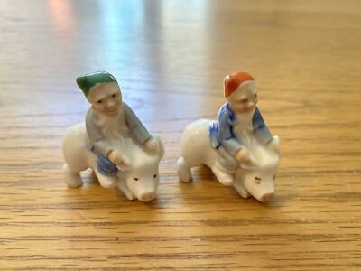 Wade Two Irish Leprechauns On A Pig • 9.99£