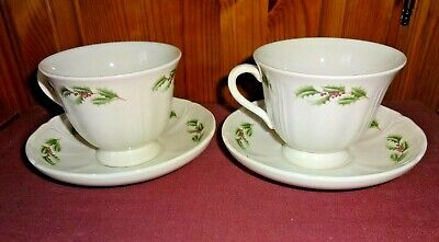 Wedgwood Queens Holly Pair Of Tea Cups And Saucers • 15£