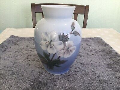 Royal Copenhagen 17 Cm Floral Anemone And Butterfly Vase # 2667 36. • 36£