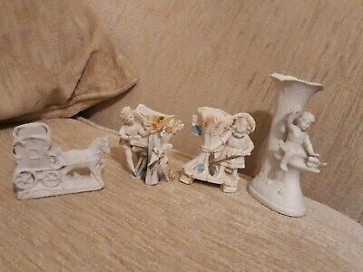 4 Items Of Parian Ware • 2£