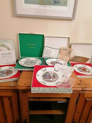Royal Doulton Christmas Plates 1977, 79, 80, 81, 82. • 14£