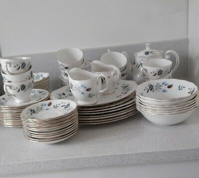 Vintage Colclough Linden Dinner Service And Tea Set • 100£