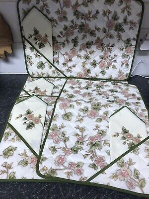 """Marks And Spencers Vintage """"AUTUMN LEAVES"""" Quilted Place Mats And Napkins X 4  • 3.50£"""