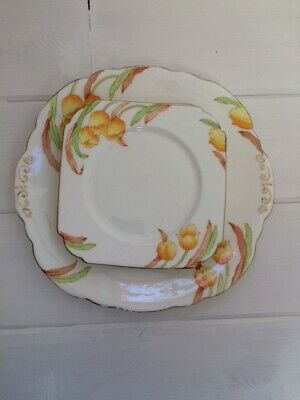Vintage Taylor & Kent Cake Plate With Four Tea Plates In A Lovely Tulip Pattern • 5£