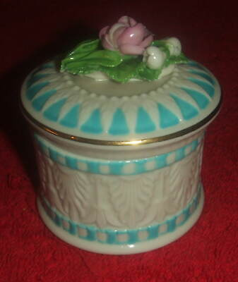 W.H. Goss Non-Crested Trinket Pot, Lid Surmounted By Delicate Floral Decoration. • 46£