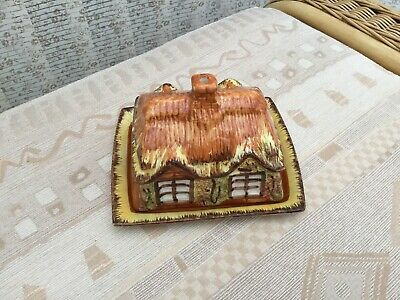 Cottage Butter Dish • 4£