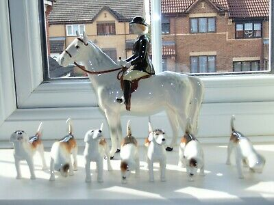 Beswick   Huntswoman On Grey  Horse  + 7 Foxhounds  In Great  Condition • 325£