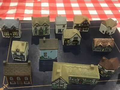 13 Wade Whimsy Cottages/houses • 10.50£