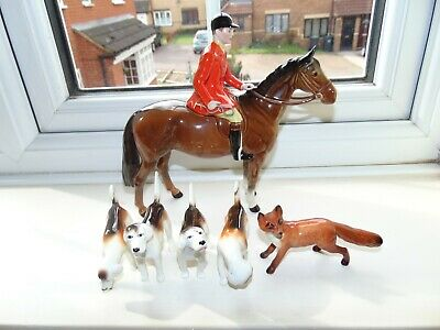 Beswick   Huntsman + Fox + 4 Foxhounds  1501  All In Excellent Condition • 200£
