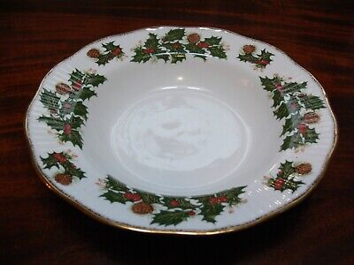 Queens Yuletide Soup Bowl In Good Pre Owned Condition • 7.99£