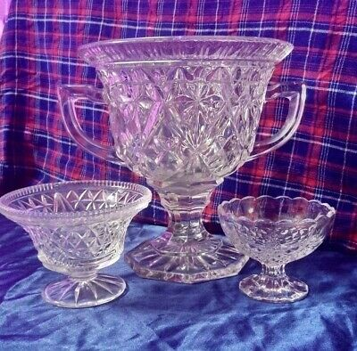 Crystal Bowls Punch Table • 10£