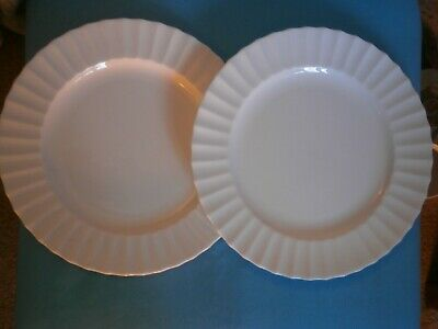Royal Worcester Warmstry 2 White Dinner Plates • 3.99£
