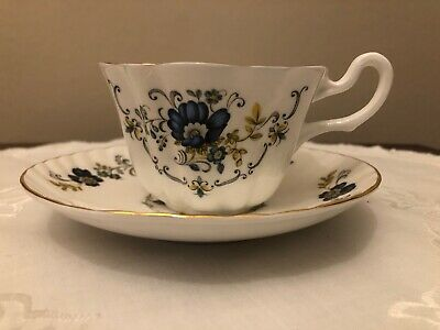 Royal Tara-Ireland Small Coffee Cup & Saucer Very Good Condition • 2.50£