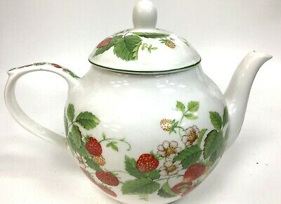 Queens Virginia Strawberry Gold Edge Swirl Embossed Small Teapot Collectable • 9.99£