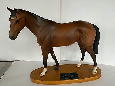 Beswick Connoisseur Horse Troy Model No. 2674 - Wooden Plinth . Great Condition • 129£