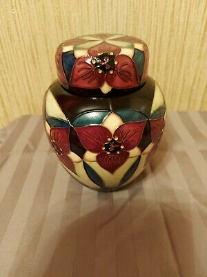 Moorcroft Pottery Ginger Jar,FIRST QUALITY,6 INCH, EXCELLENT CONDITION. • 54£