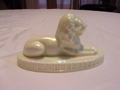 Summit Art Glass Oscar The Lion Paperweight Pale Yellow Or Pearl Iridescent • 8.77£