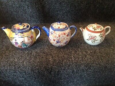 3 Small Chinese Teapots Dates Unknown. • 17.99£