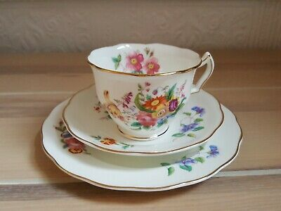 Crescent & Sons Porcelaine Trio Cup And Saucers With Gold Rim Flower Design • 15£
