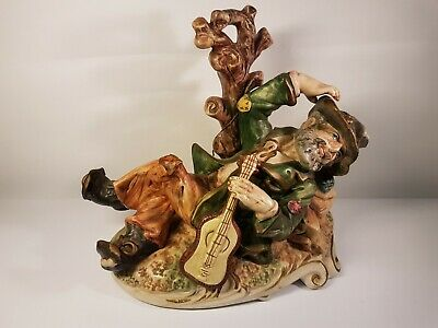 Large Capodimonte Tramp With Guitar  • 29.99£
