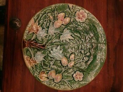 Majolica Pottery Plate Possibly Early 19th Century. • 10£