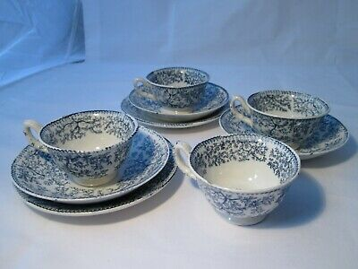 Very Sweet Vintage Part Set Of Blue & White Demitasse Cups, Saucers & Plates.  • 5£